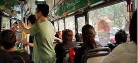 حسناء في الحافلة